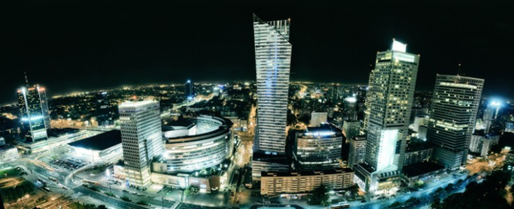 Poland borrows at record low rate